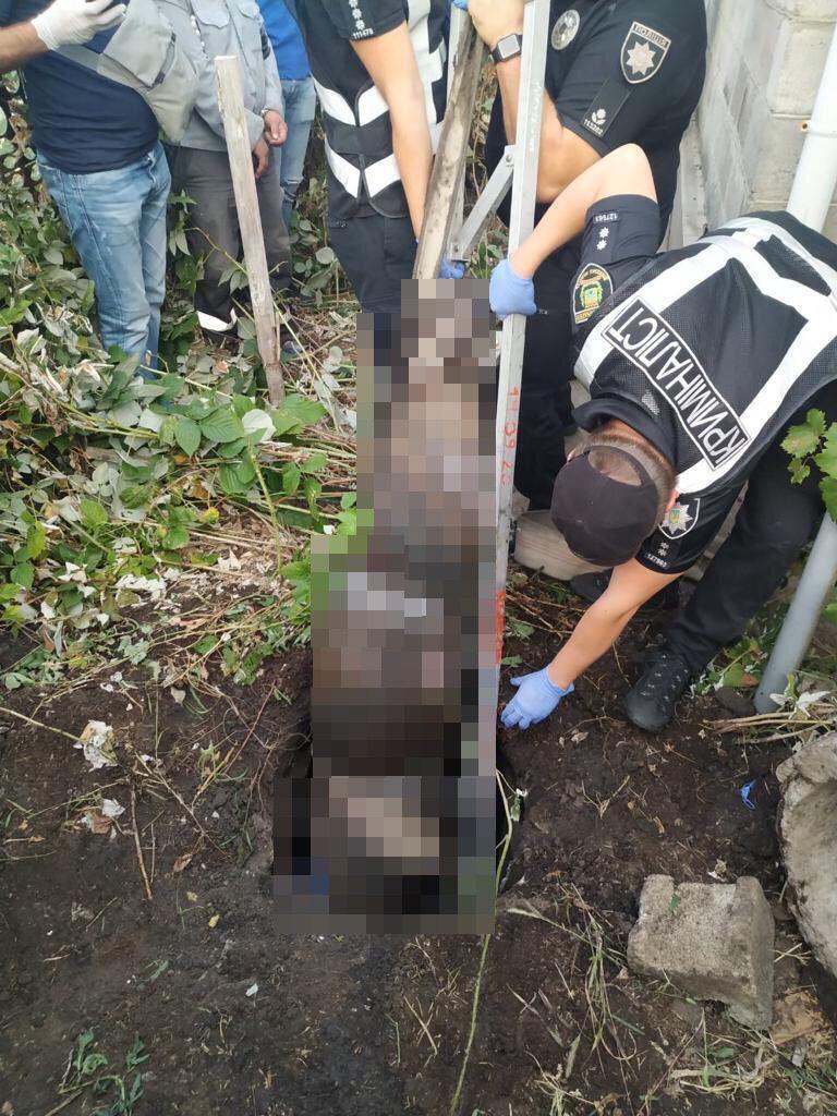 Тело убитой беременной нашли в сливной яме.