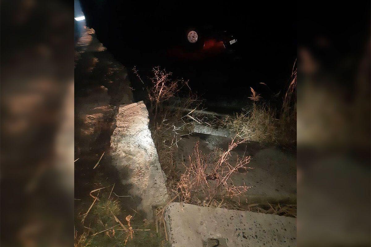 Машину в річки не діставали через проведення слідчих дій