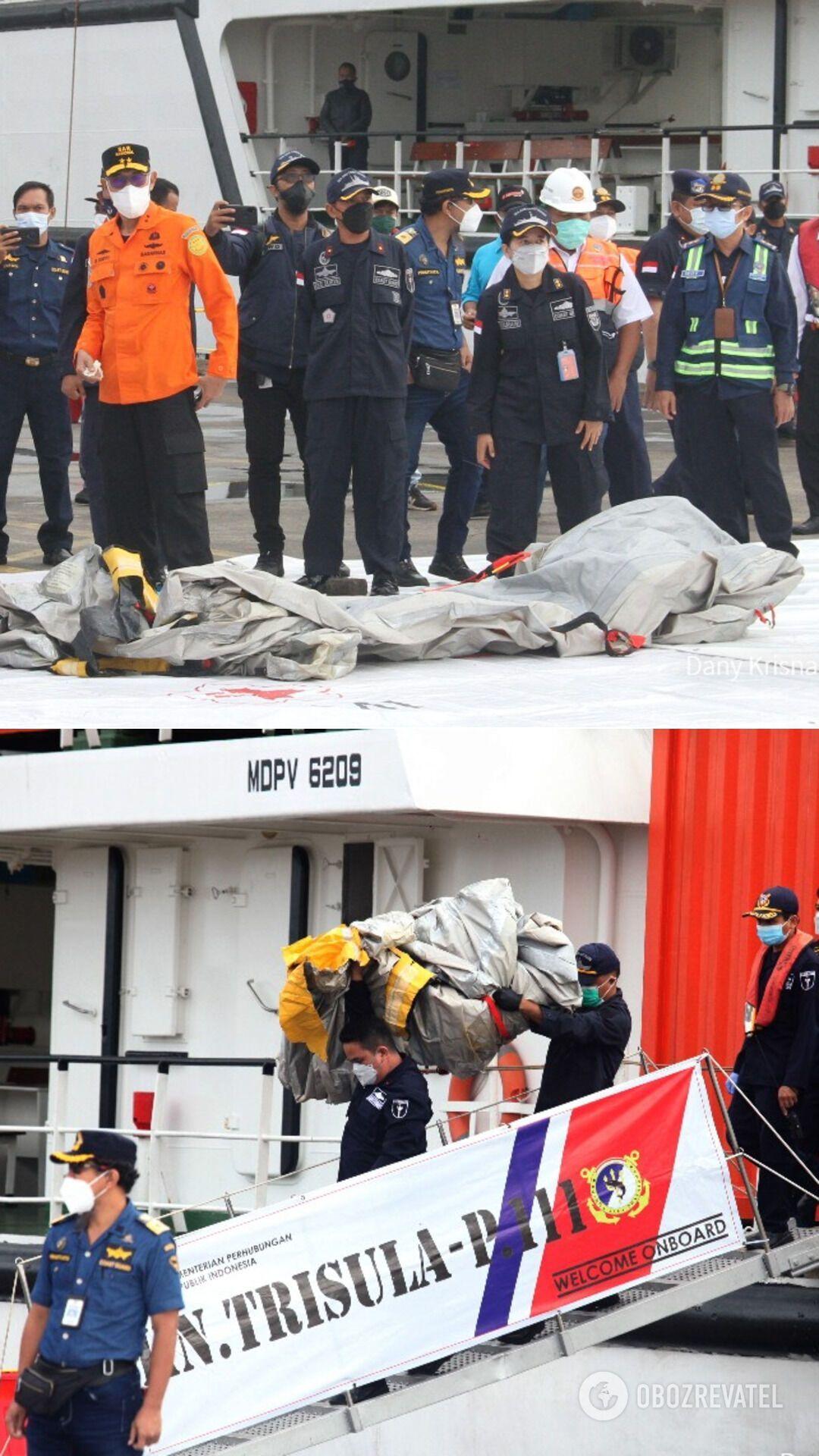 """Рятувальники знайшли """"чорні скриньки"""" Boeing 737-500"""