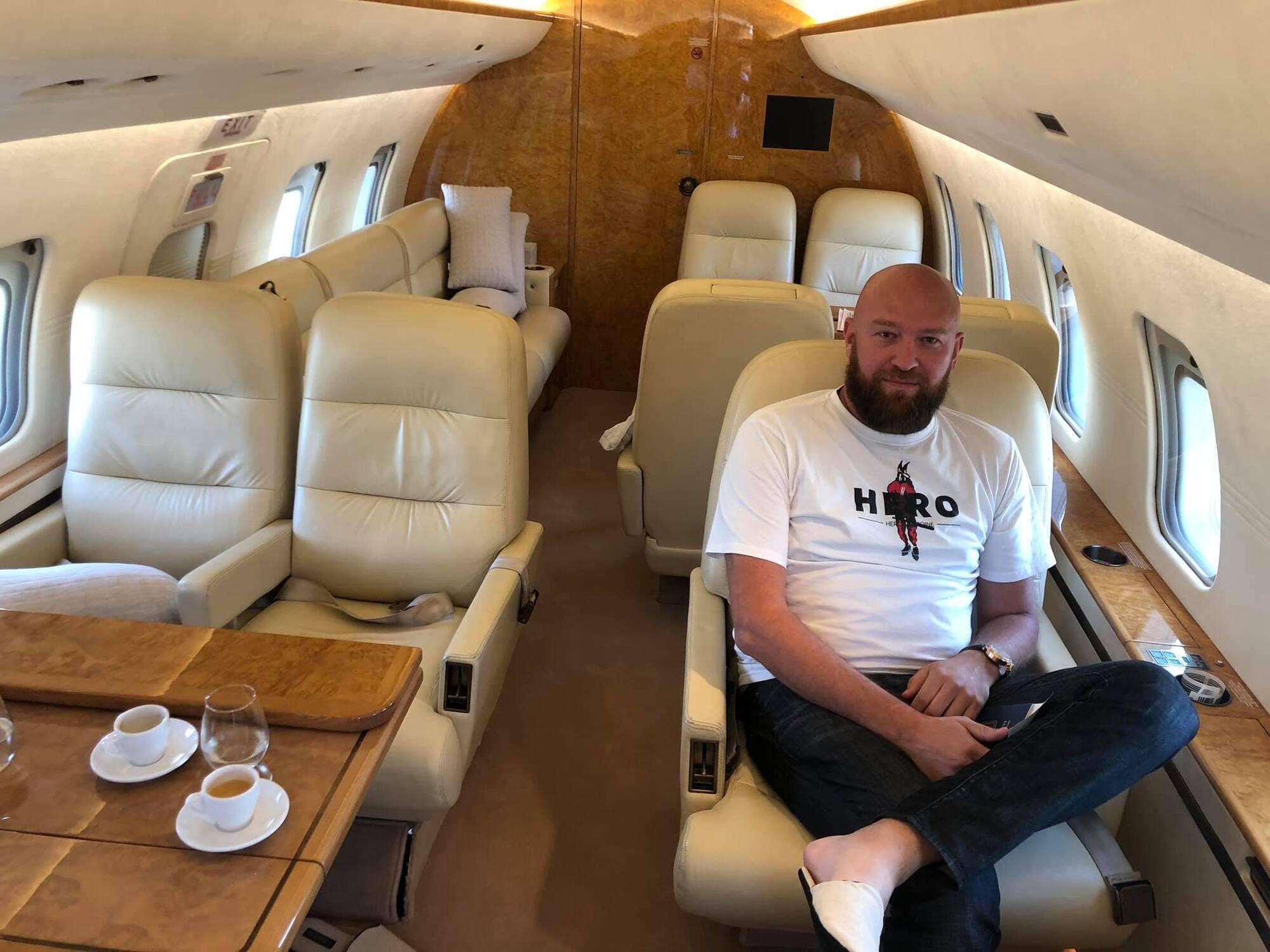 Гольдман в частном самолете. Фото с его страницы в Фейсбук