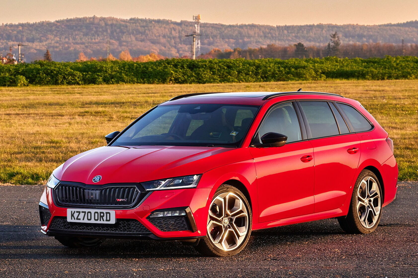 Автомобиль будет предложен в двух типах кузовов – лифтбек и универсал
