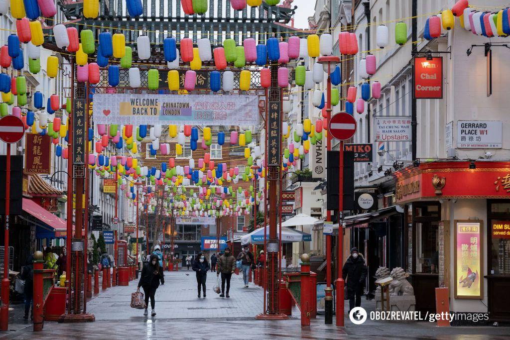 У Лондоні де-не-де працюють магазини, вулиці спорожніли