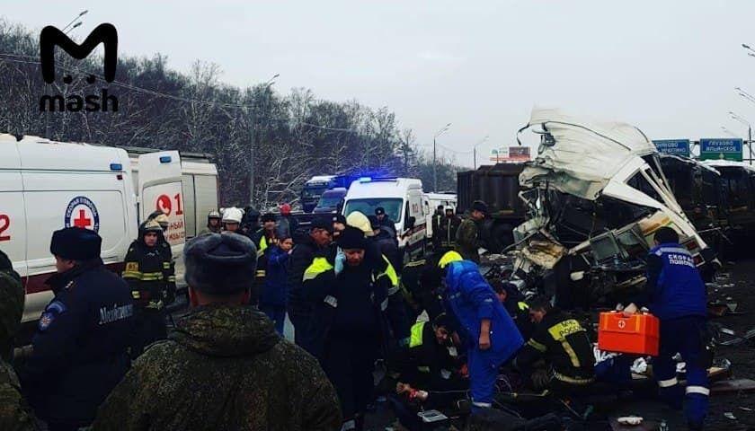 КамАЗ врезался в колонну с военными автобусами