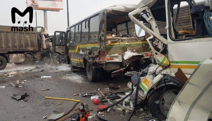 Основний удар припав на мікроавтобус ПАЗ