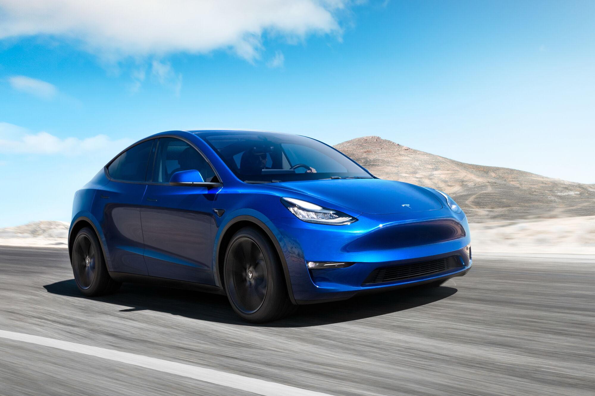 Tesla Model Y тепер доступна в базовій версії із заднім приводом