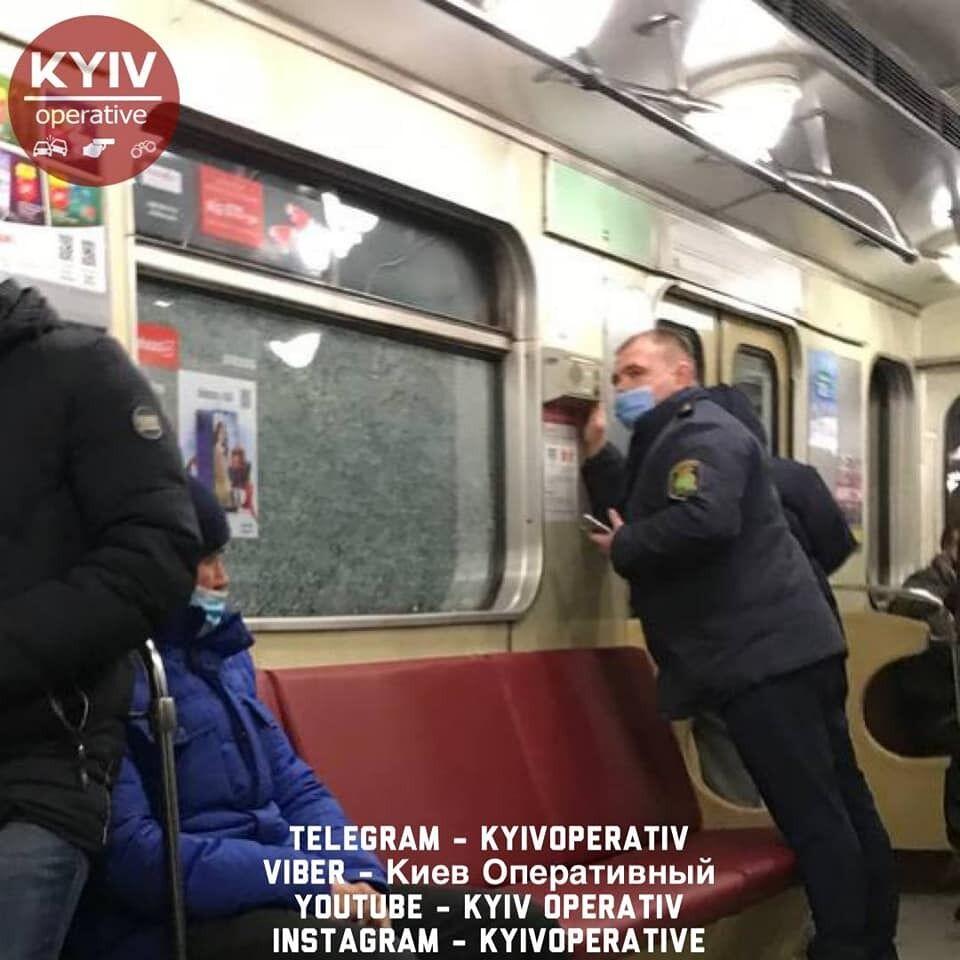У столиці побили вікна у вагонах метро