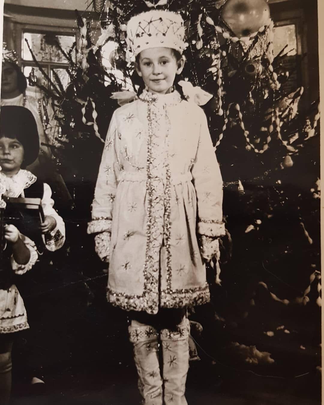 Алла Мазур в детстве