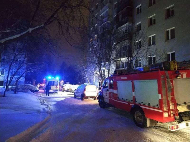 Пожежа в Єкатеринбурзі спалахнула в ніч проти 12 січня.