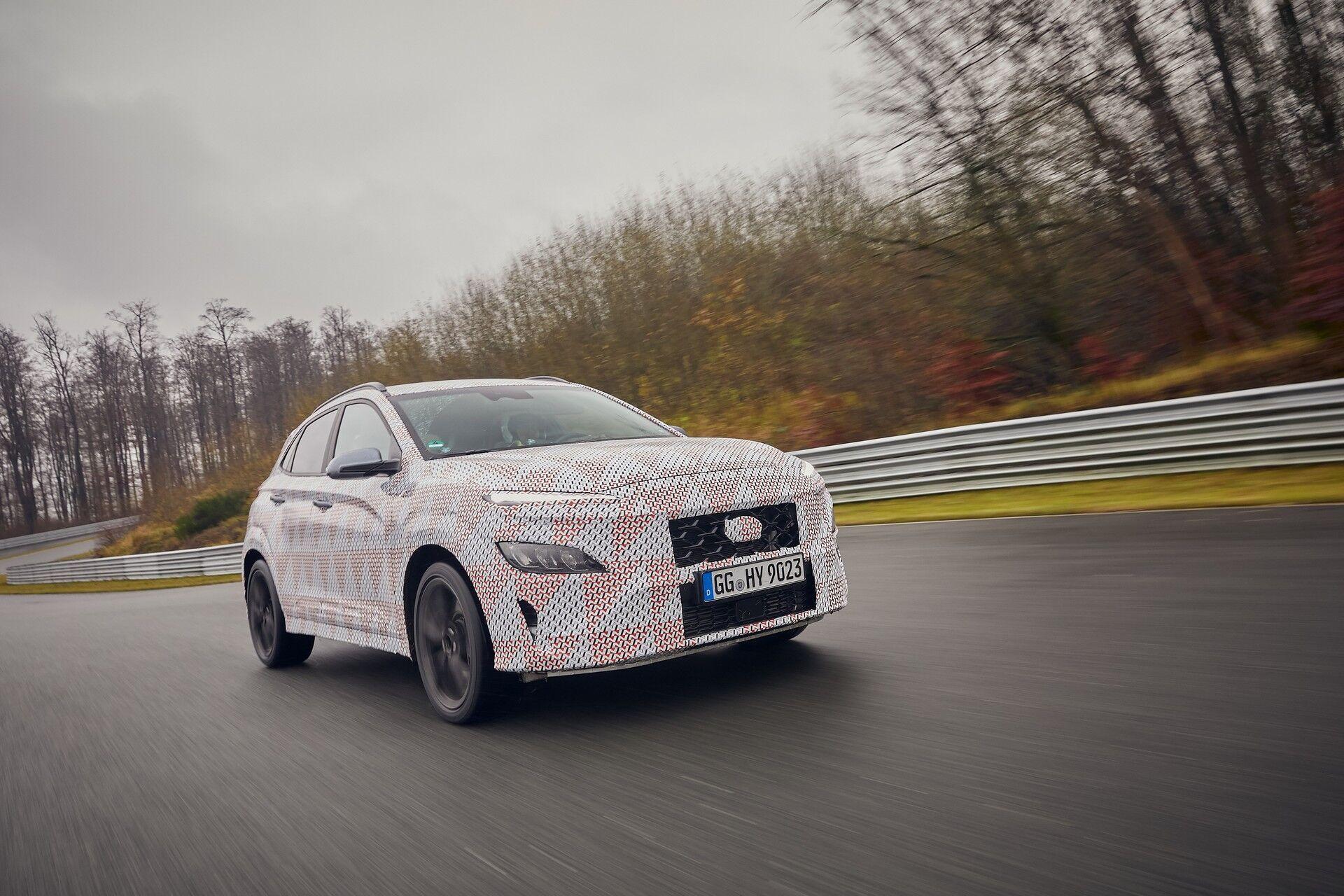 Автомобиль получит иные бампера с увеличенными воздухозаборниками и собственный аэродинамический обвес