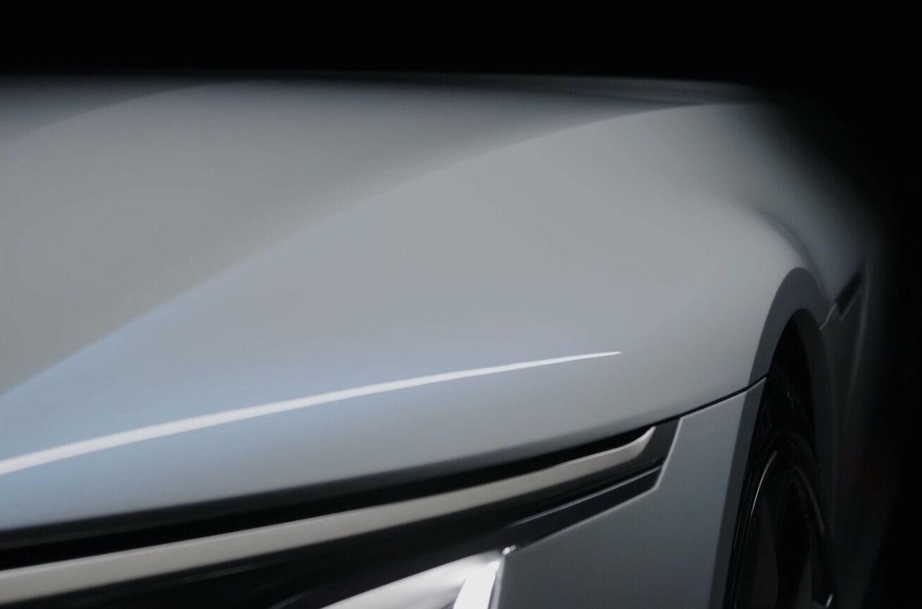 Компания Cadillac представила тизеры флагманского электрического седана Celestiq