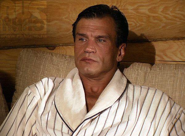 У віці 57 років помер російський актор Денис Карасьов