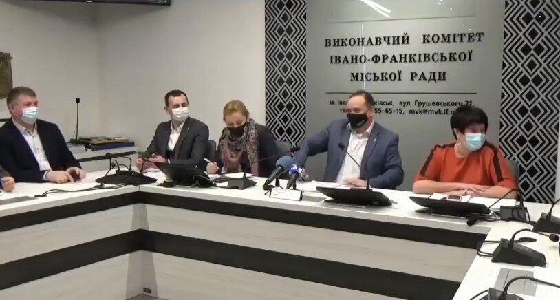 Марцинкив на совещании шутил и смеялся над утопленником.