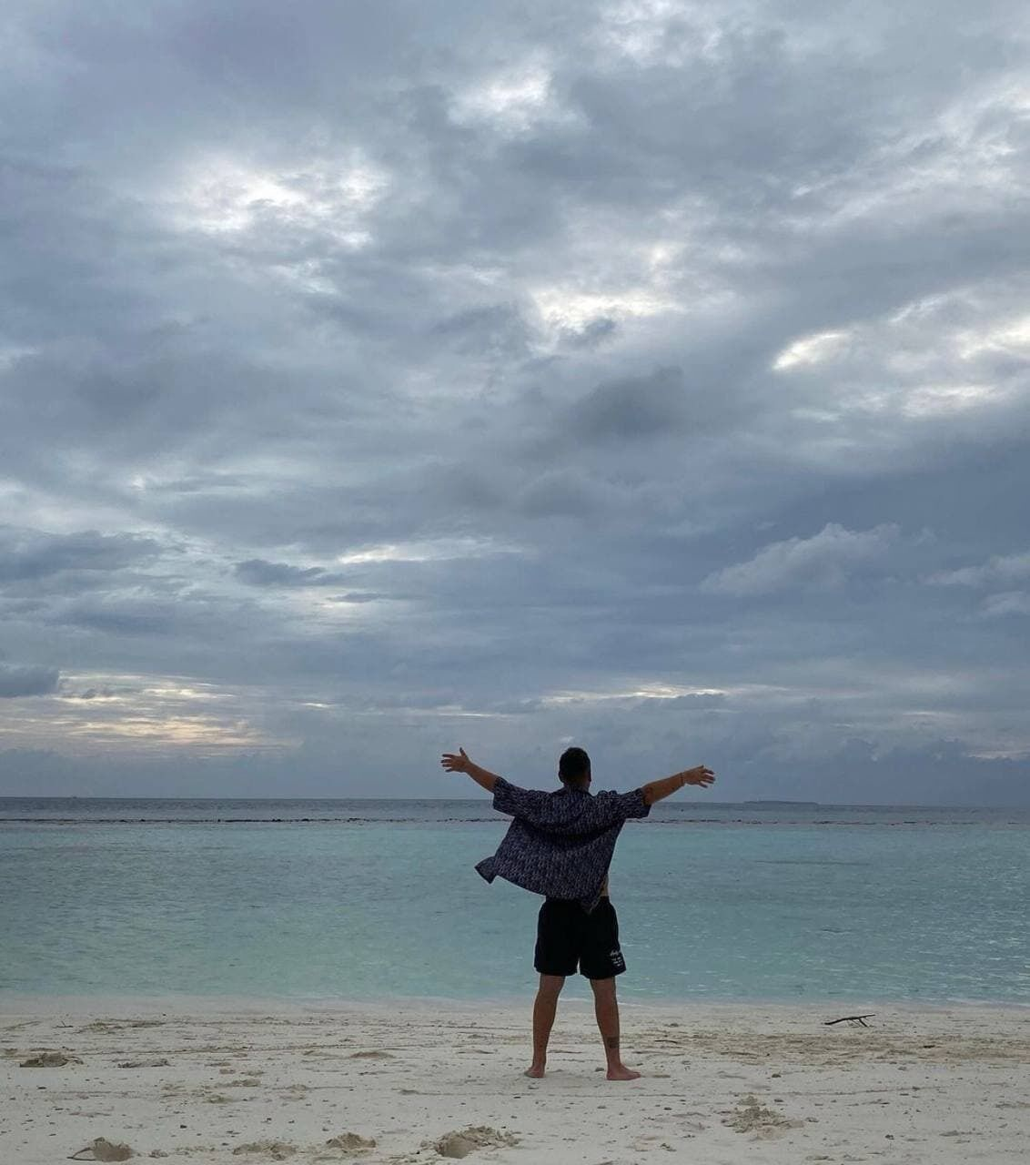 Монатик отдыхает с семьей на Мальдивах