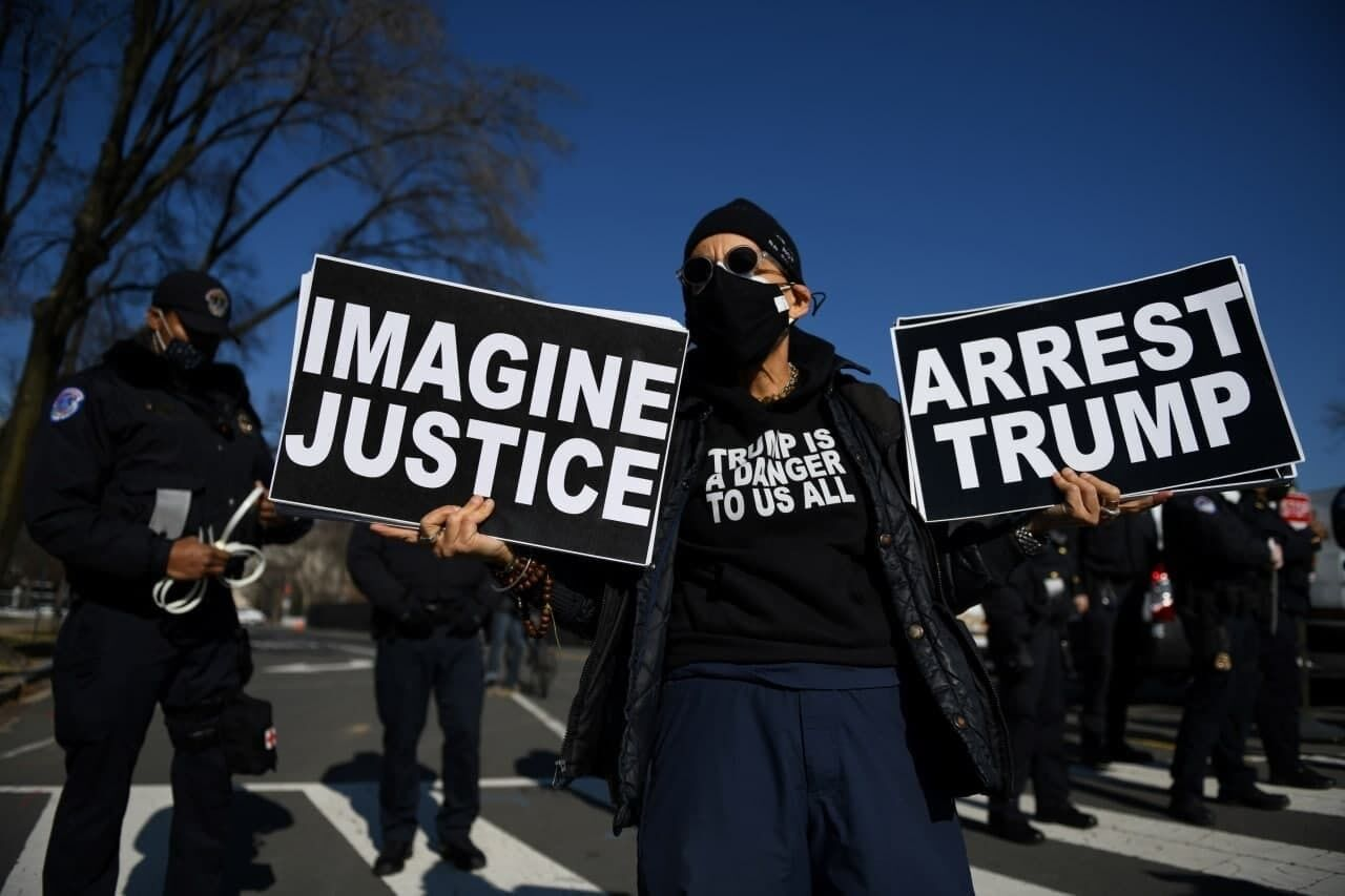 Протестующие требовали ареста Трампа