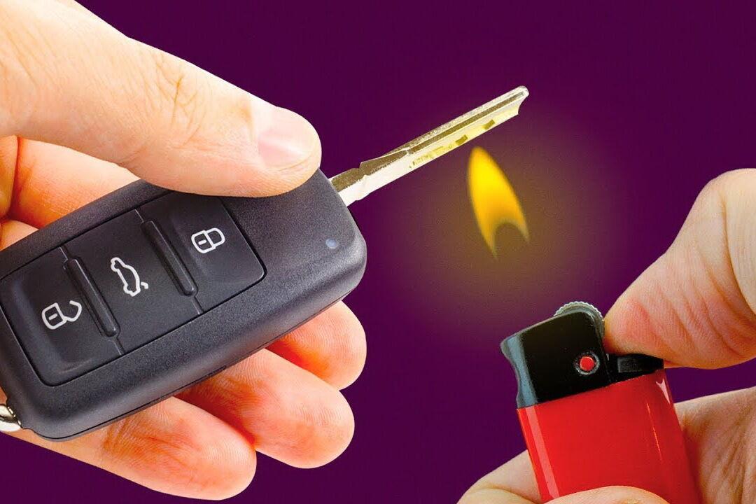 Якщо під рукою є запальничка, можна нагріти ключ з її допомогою