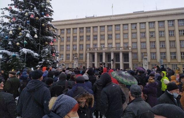 До протестувальників вийшов голова ОДА