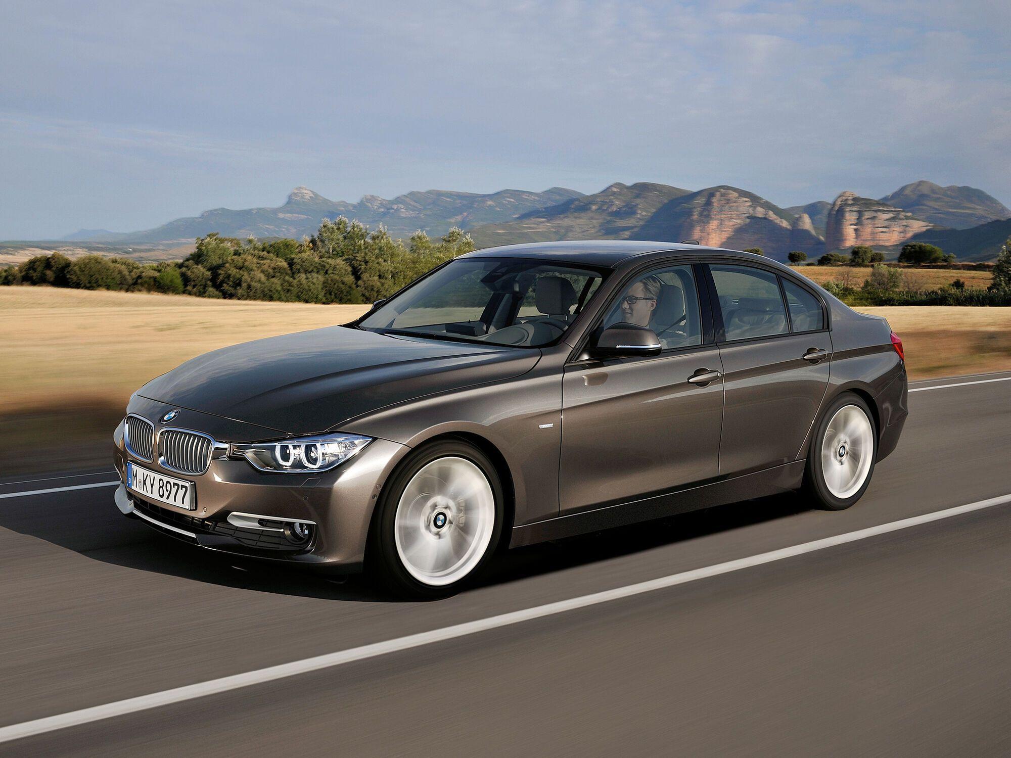 Единственный представитель премиум сегмента в рейтинге – BMW 3 Series