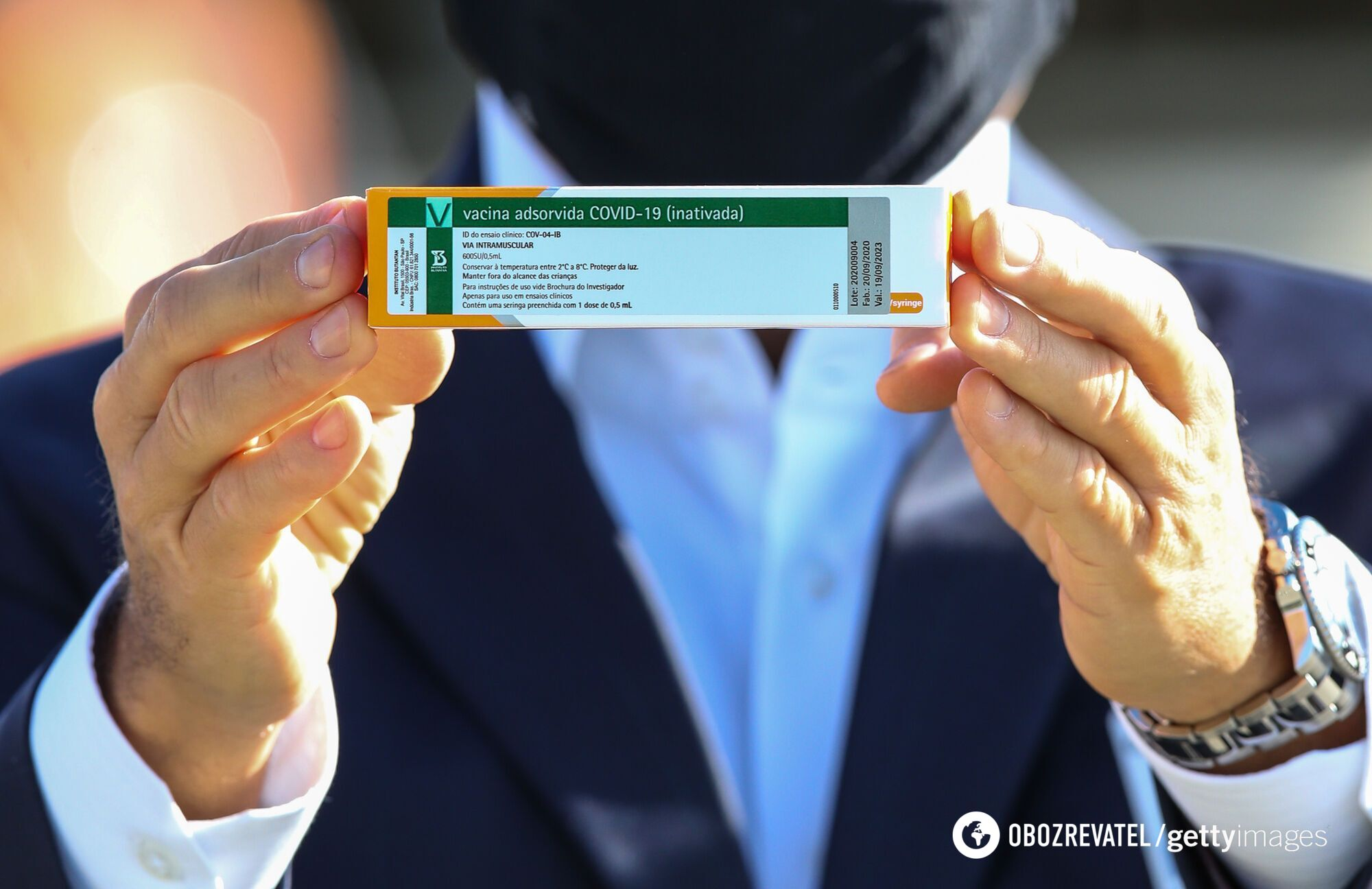 Украина заказала 5 млн доз китайской вакцины CoronaVac