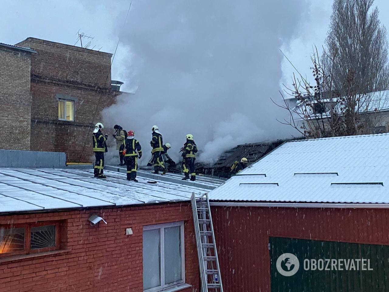 Пожар возник на территории 80 квадратных метров.