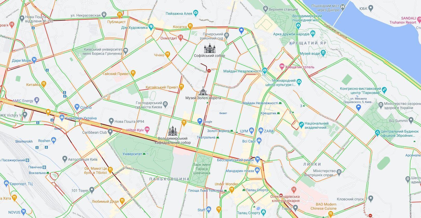 Пробки образовались в центральной части Киева.