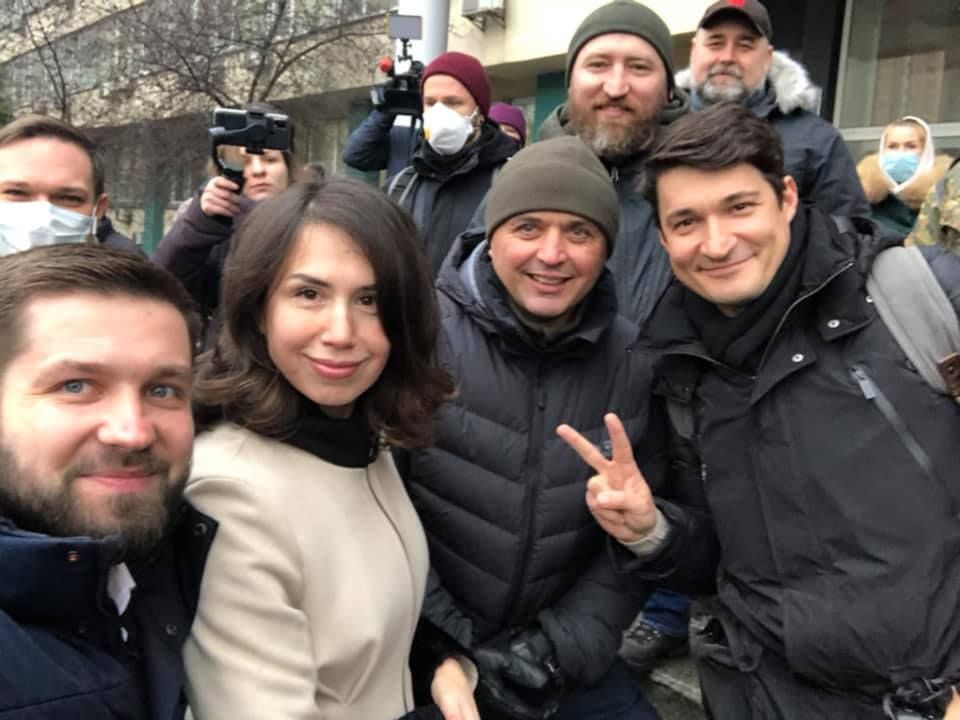 Поддержка Татьяны Чорновол возле ГБР.