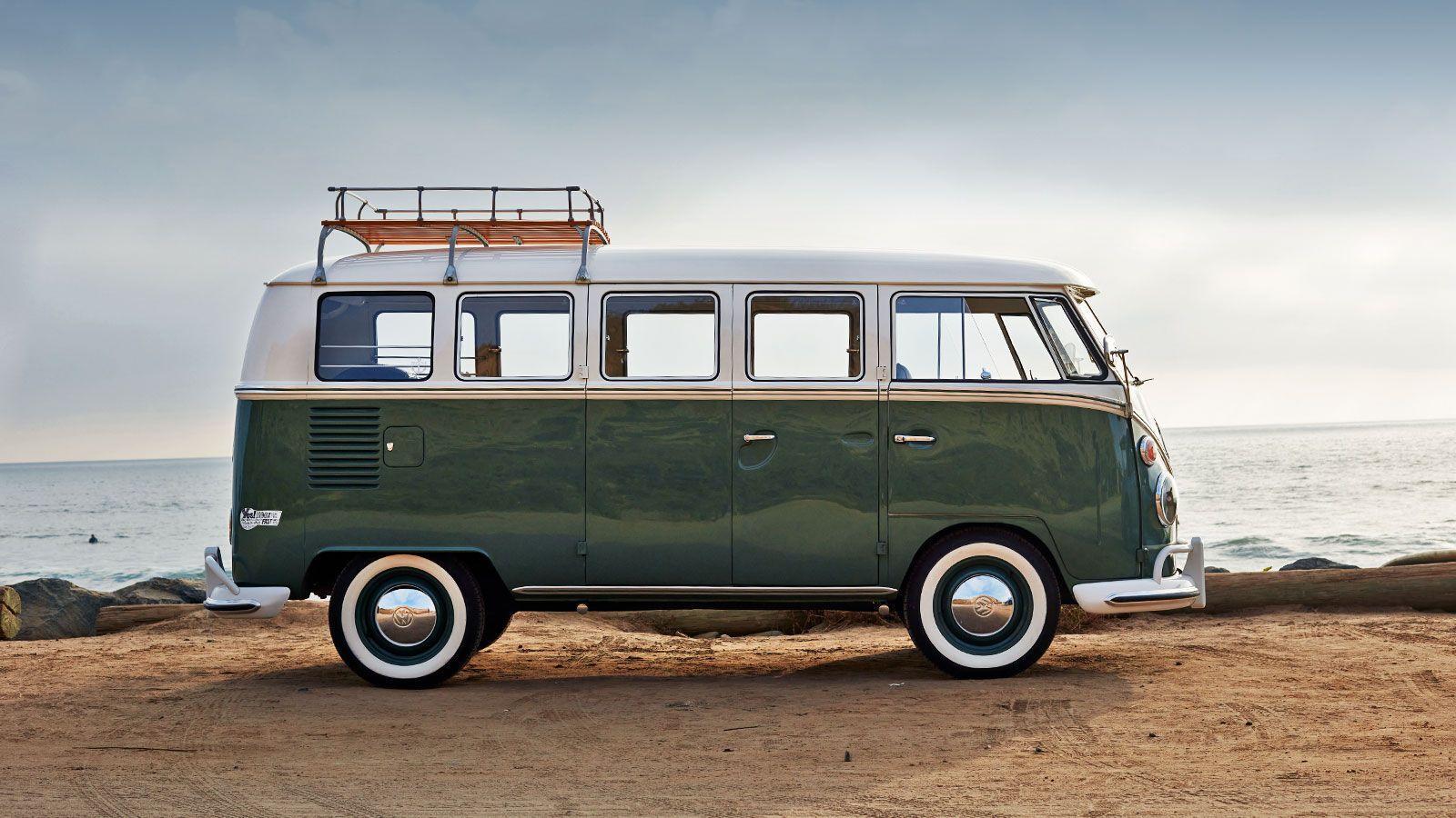 Мікроавтобус здатний долати приблизно 145 км із максимальною швидкістю 160 км/год.
