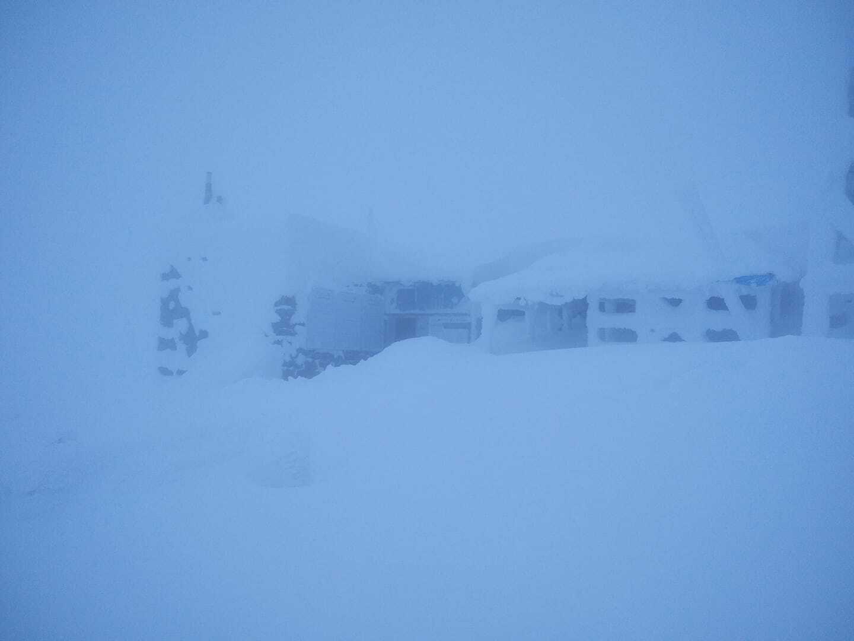 Поп Иван Черногорский замело снегом