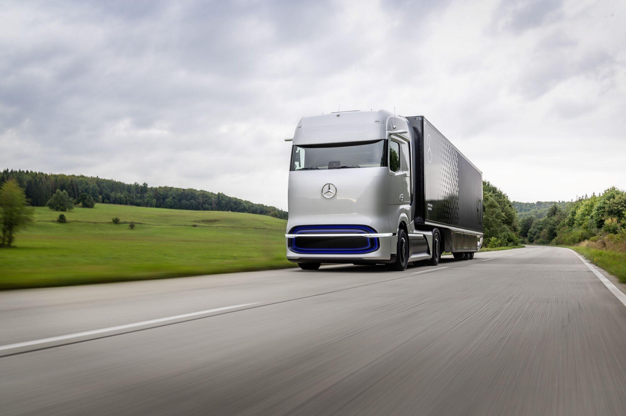 Mercedes-Benz GenH2 Truck на водневих паливних елементах планують відправити на конвеєр в другій половині нинішнього десятиліття