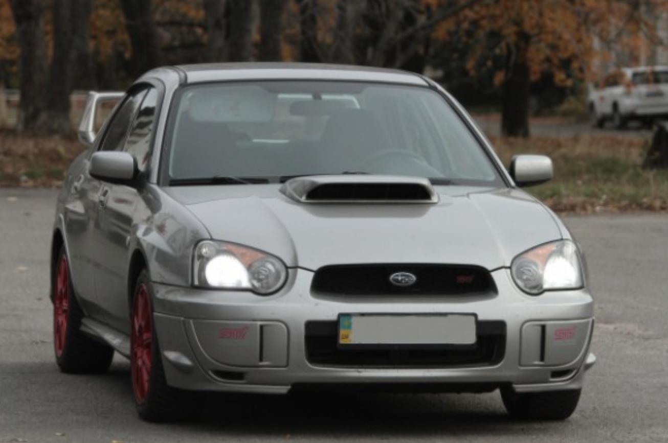 Тина Кароль ездит на автомобиле мужа Subaru Impreza STI