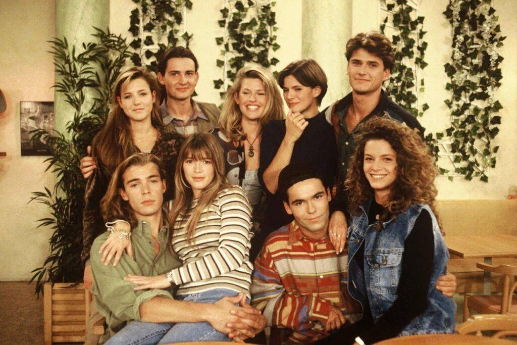 В сериале «Элен и ребята» самый популярный образ включает сочетание джинсов и джинсовых жакетов