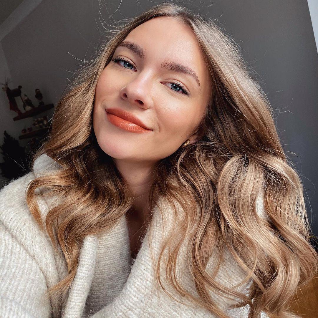 Оранжевый в макияже