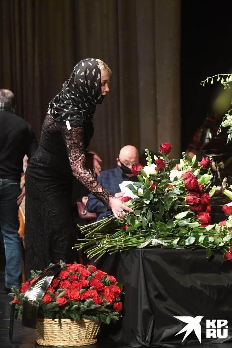 Фото с похорон Бориса Грачевского.