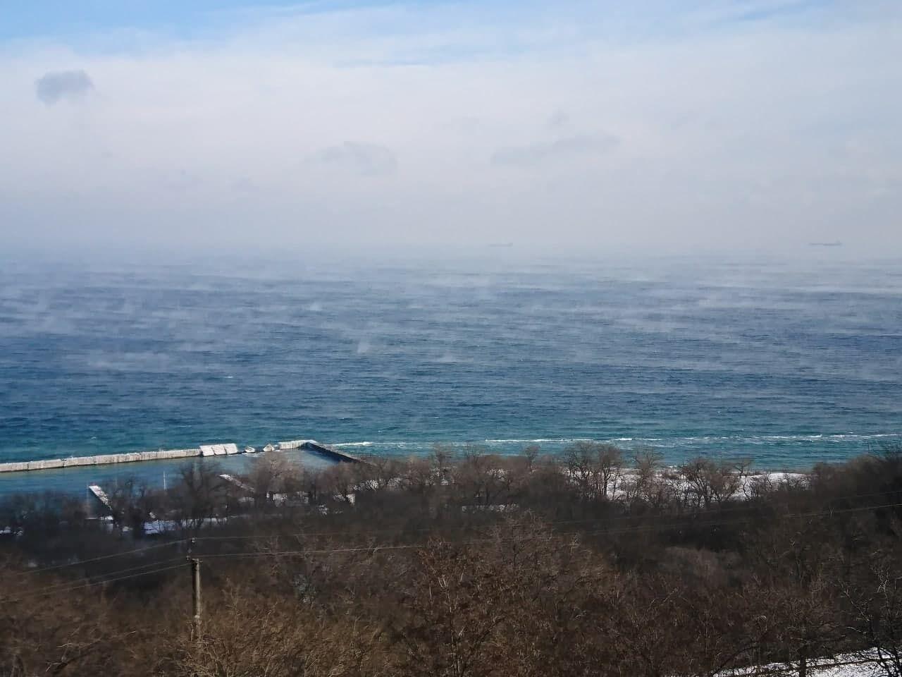 Черное море покрылось паром