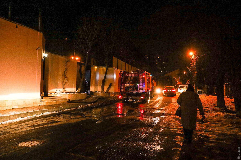 У гасінні пожежі задіяли 60 осіб