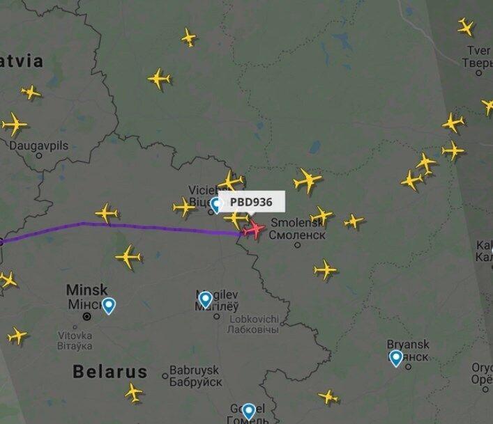 Літак з Навальним вже над Росією.