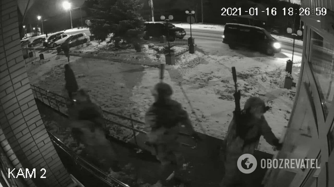 Спецназ СБУ заходит в Киево-Святошинский отдел полиции