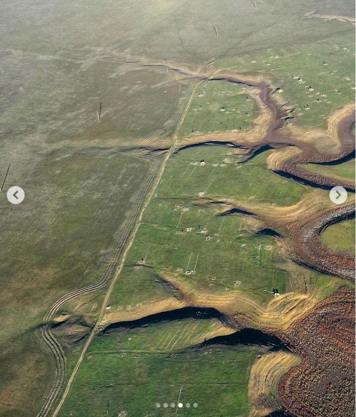 """Озеро """"генеральське"""" було між Феодосією і Керчю."""