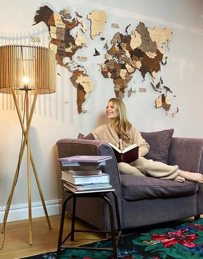 Гостиная Фреймут украшена картой мира из экологических материалов