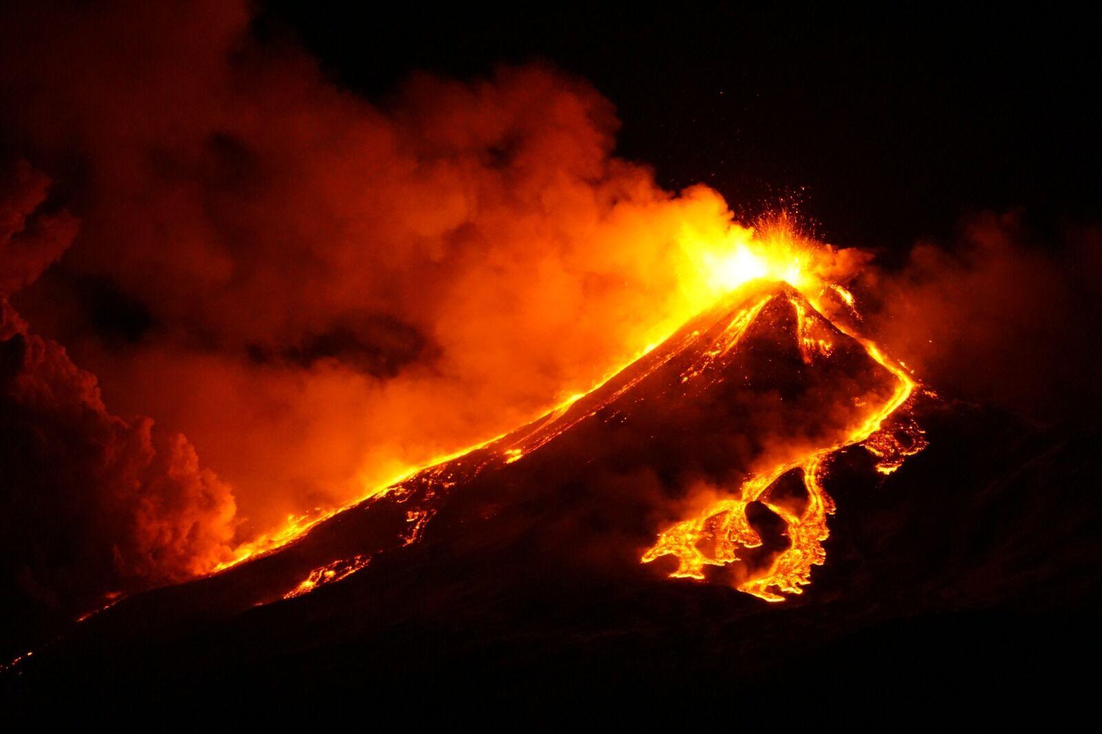 Вулкан Этна в Италии внезапно проснулся