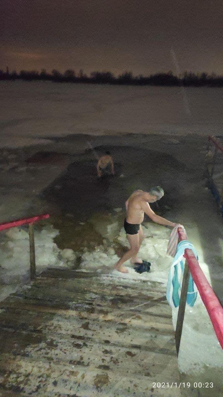 Первые купальщики в столице