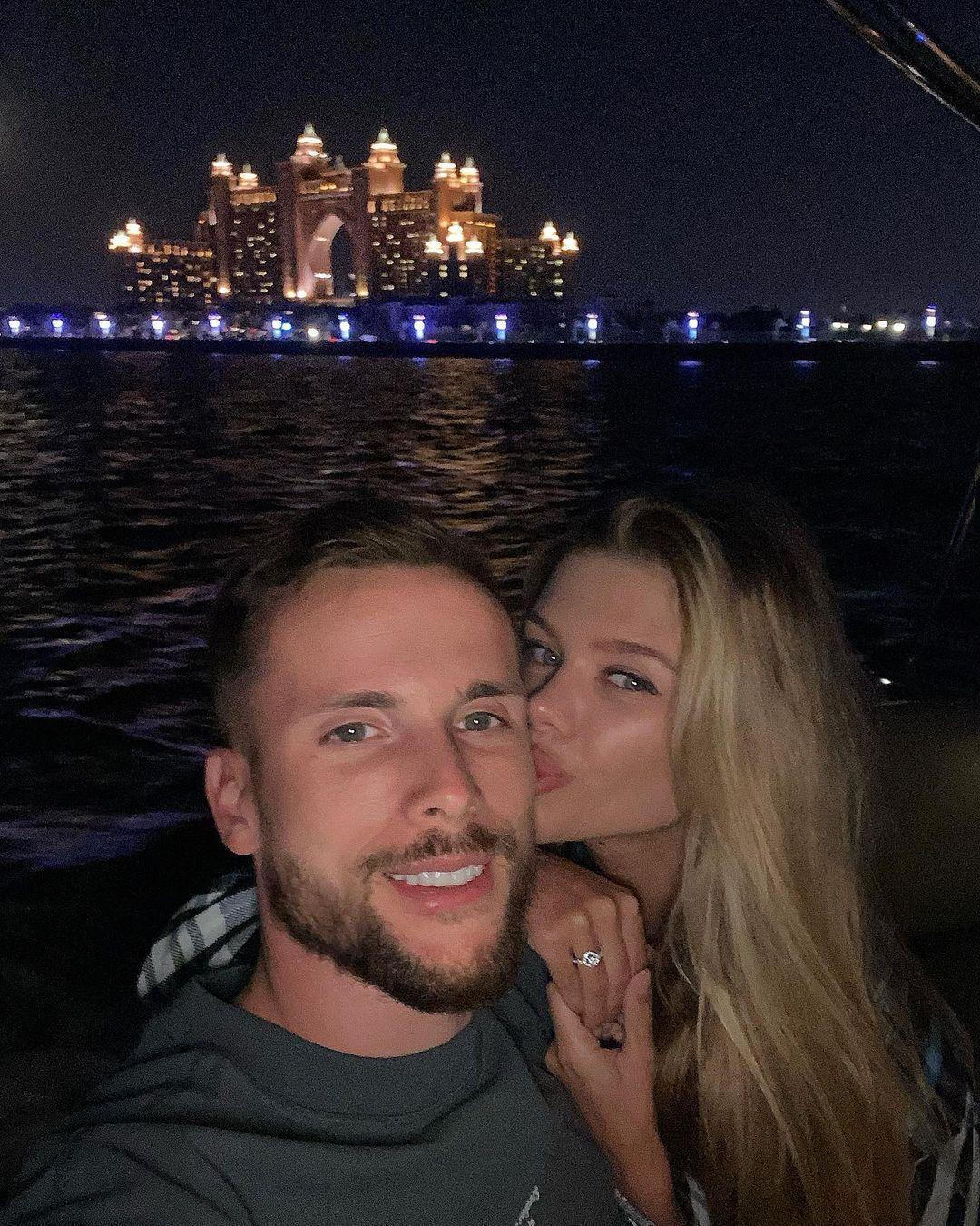 Томаш Кендзера и Виктория Стецык познакомились в Instagram