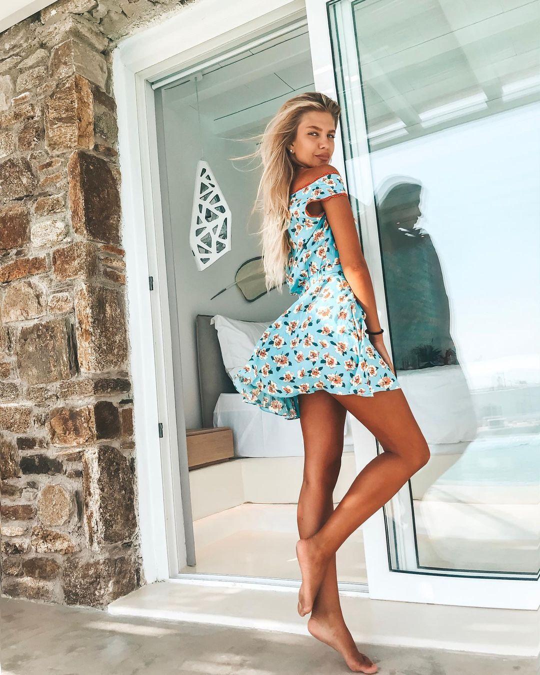 Вікторія Стецик у платті