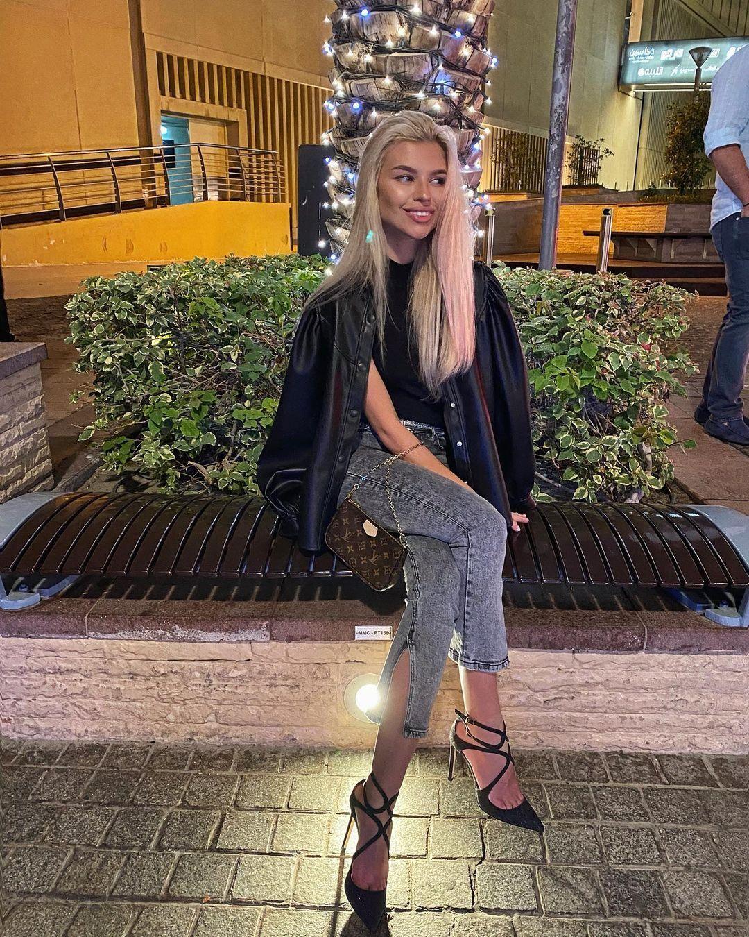 Вікторія Стецик на побаченні