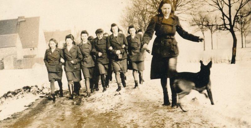 Надзирательницы в концлагере Равенсбрюк, примерно 1940 год