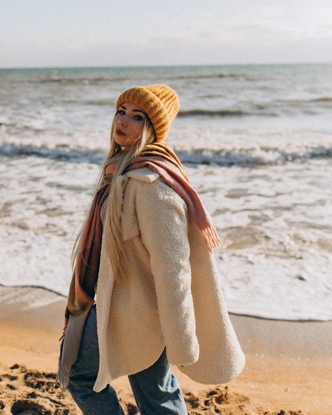 Блогер Людмила Вовк рассказала о жизни за кадром.