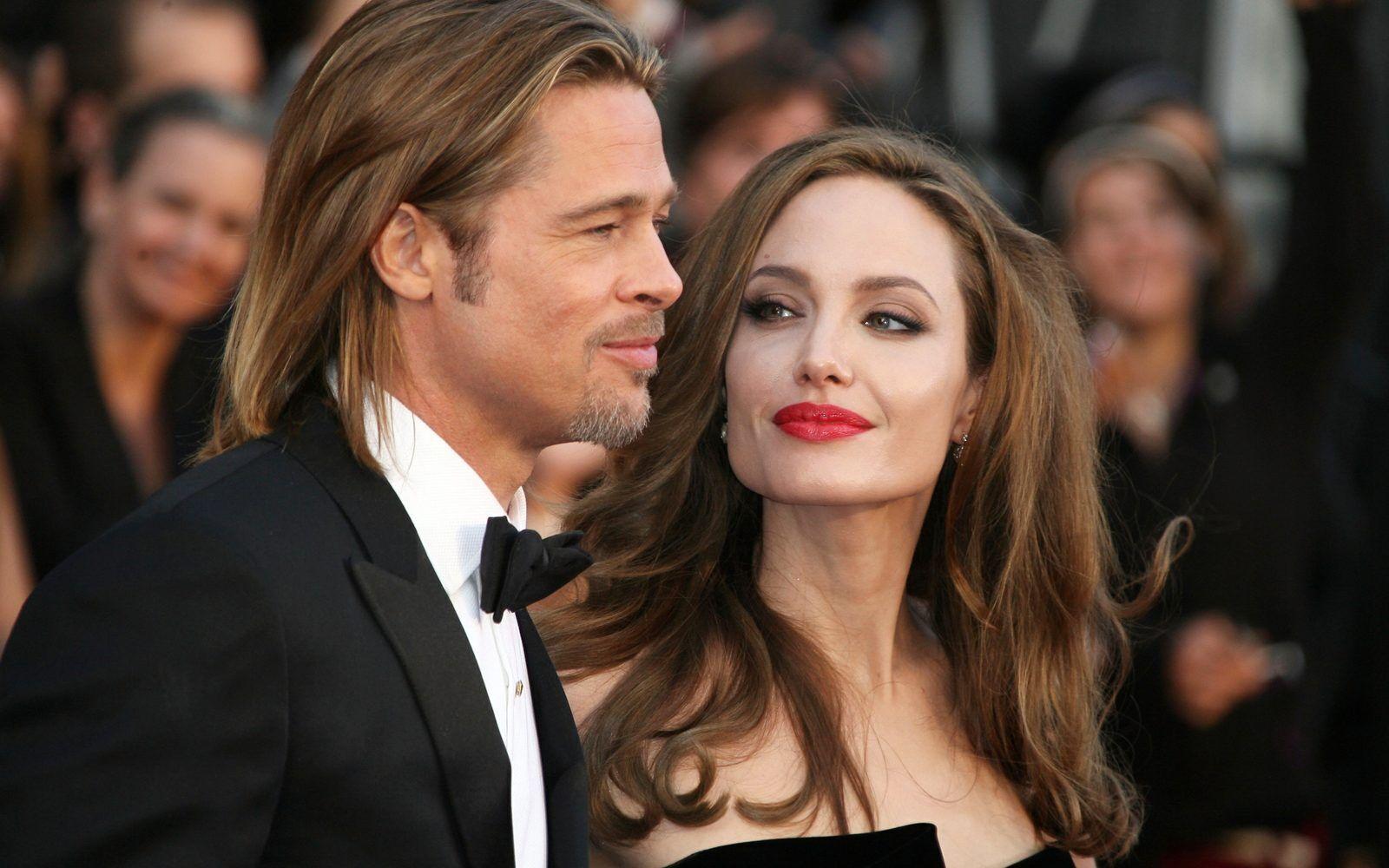 Анджеліна Джолі посварилася з Еністон через Бреда Пітта.