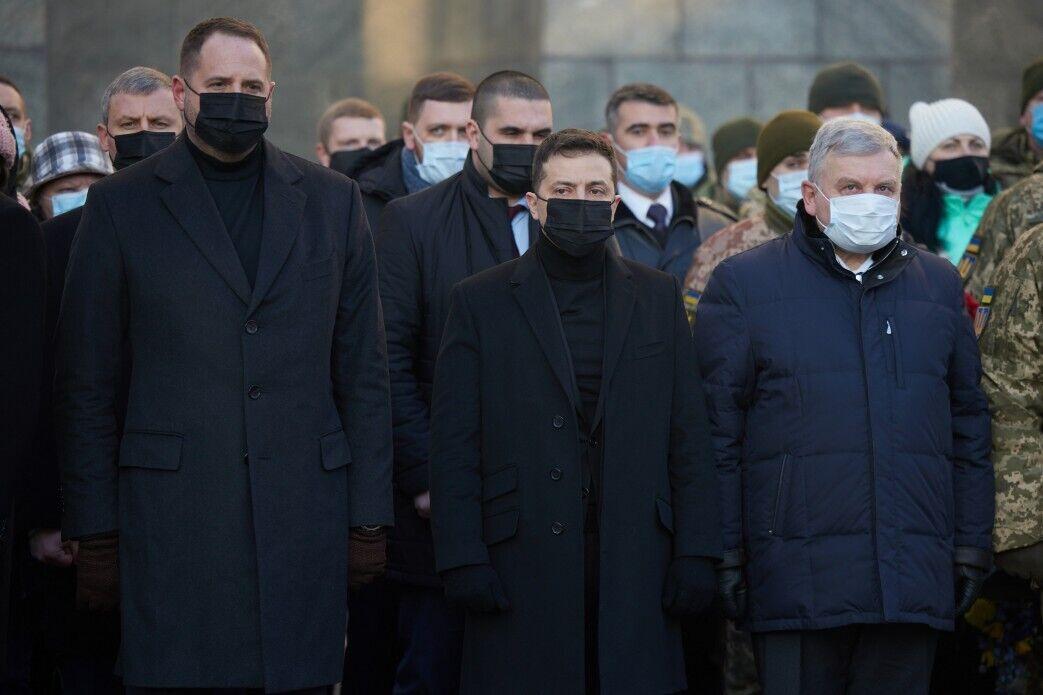 """Глава государства на церемонии чествования памяти """"киборгов"""""""