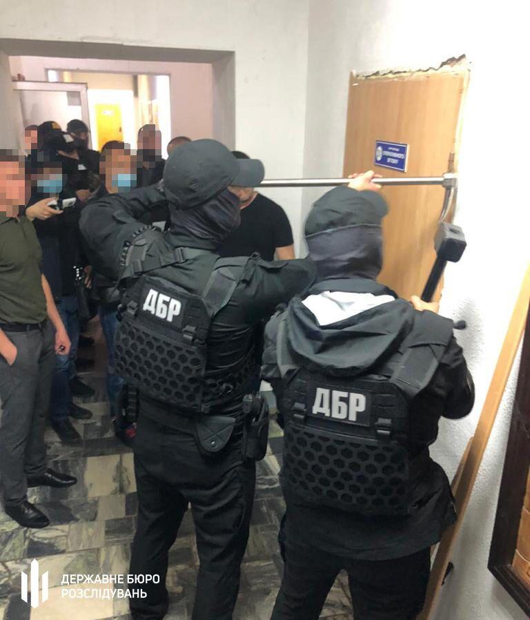ДБР у Павлоградському відділенні поліції
