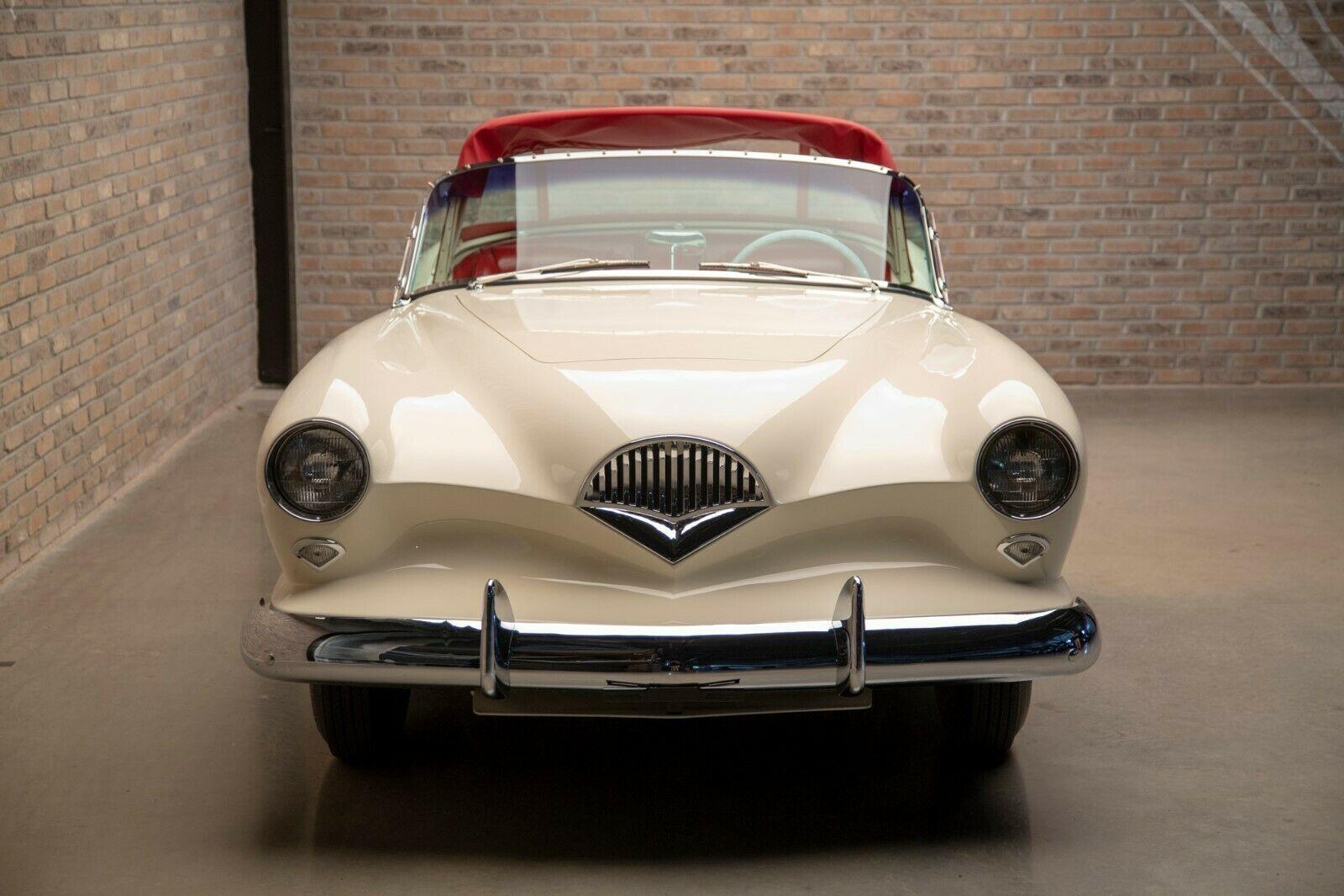 Модель также критиковали за неоднозначный дизайн передней части
