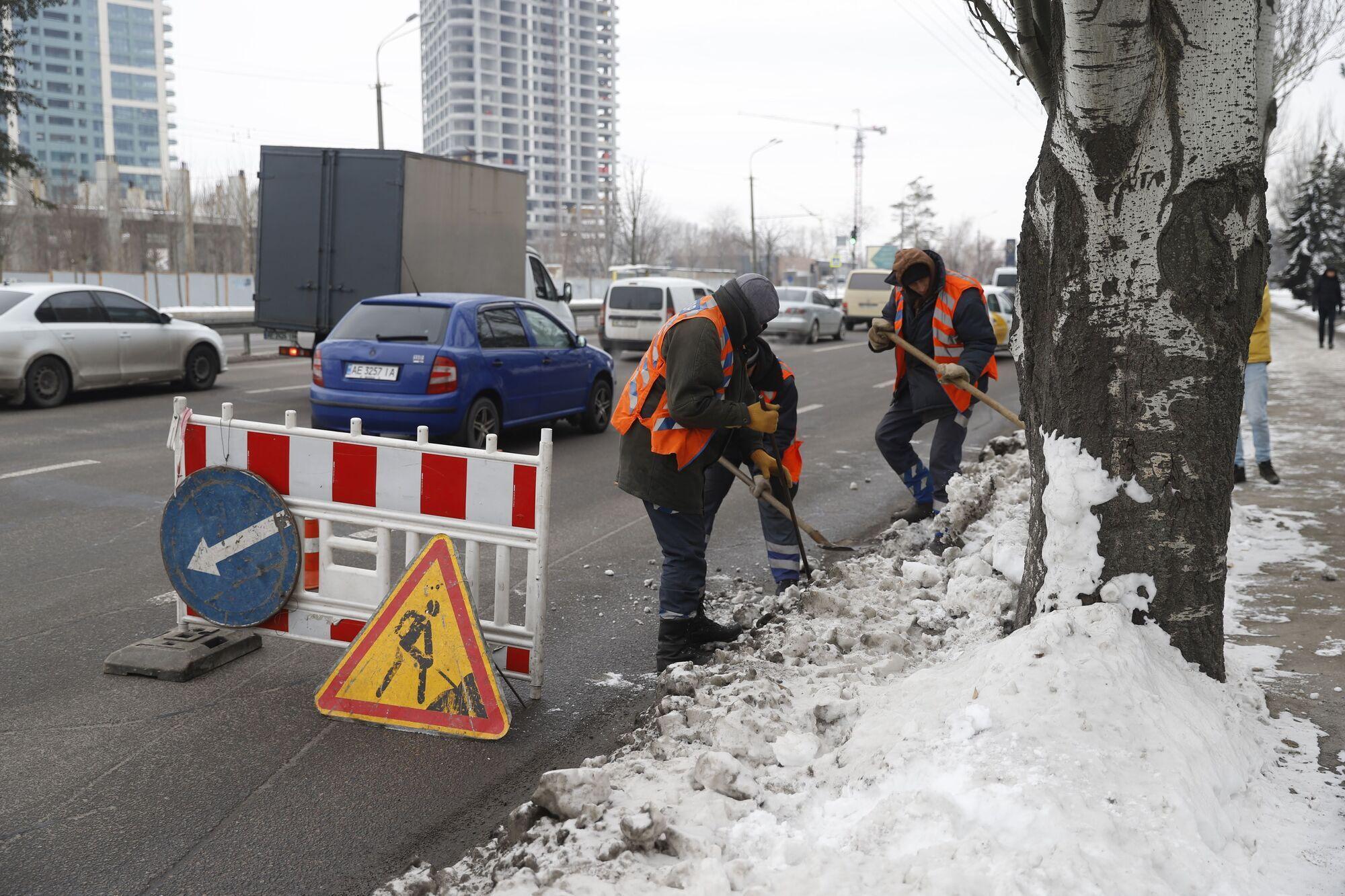 Важно заранее подготовить дождеприемники, очистить их от снега